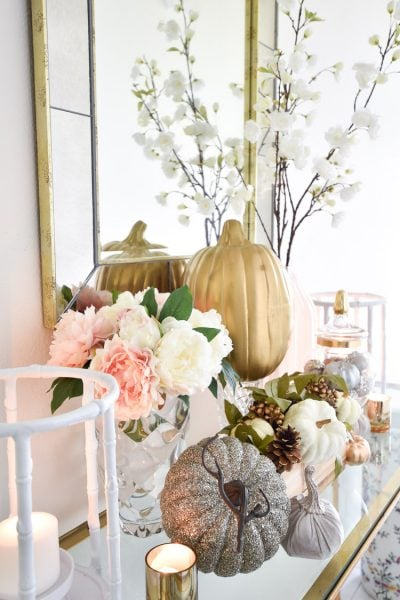 Blush pink and gold fall decor ideas for a foyer