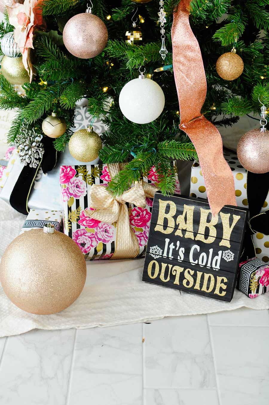 Blush pink Christmas decorations