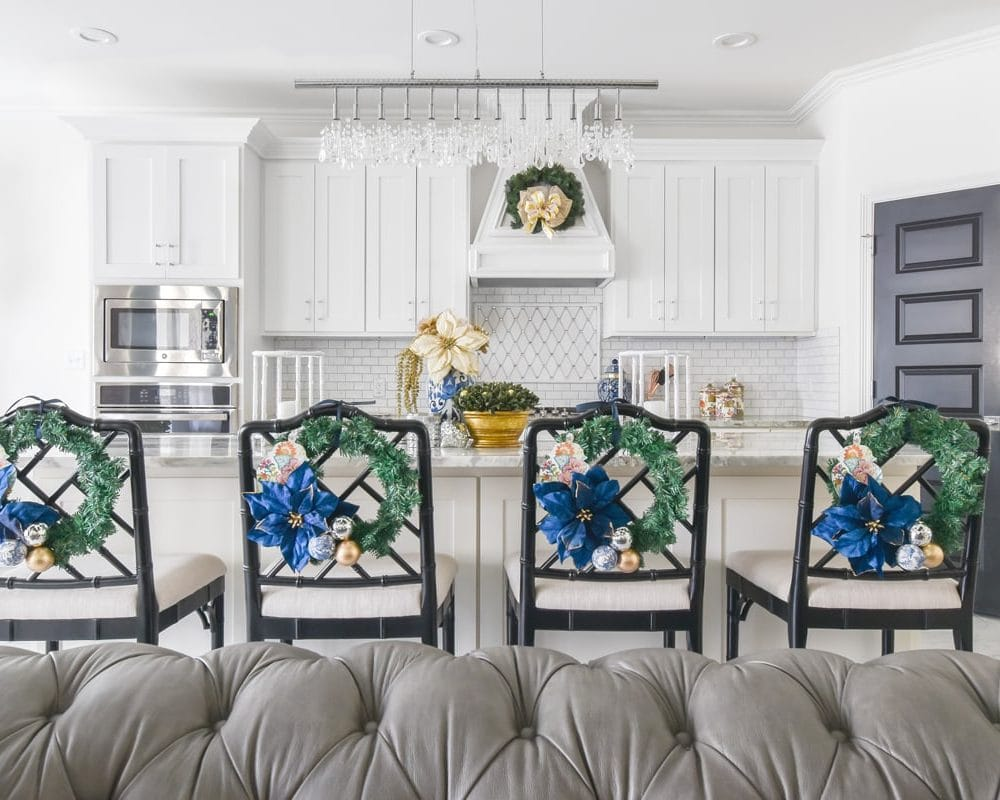 Blue and white Christmas kitchen decoration ideas