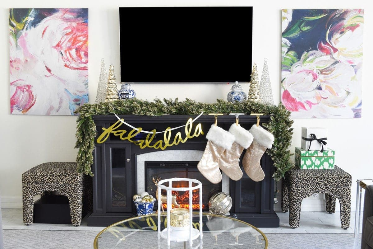 Glam & Simple Christmas Living Room Decor Ideas - Monica ...