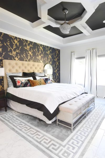 Chinoiserie master bedroom accent wall idea