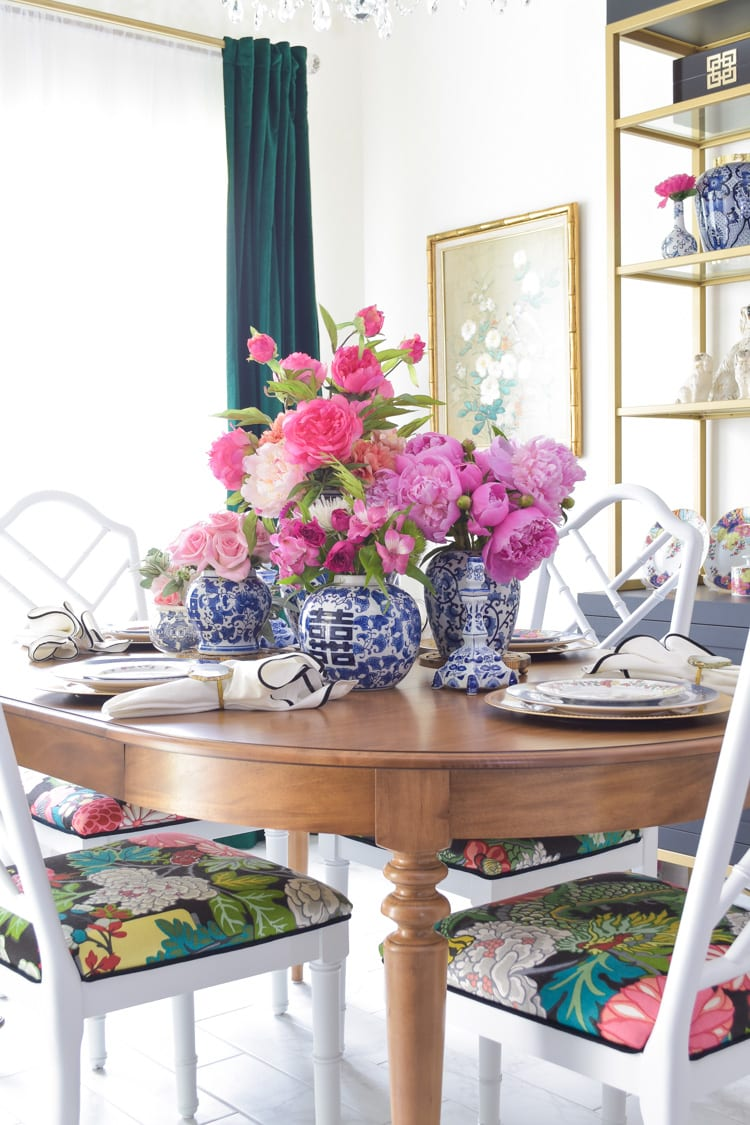 Blue and white ginger jar centerpiece ideas