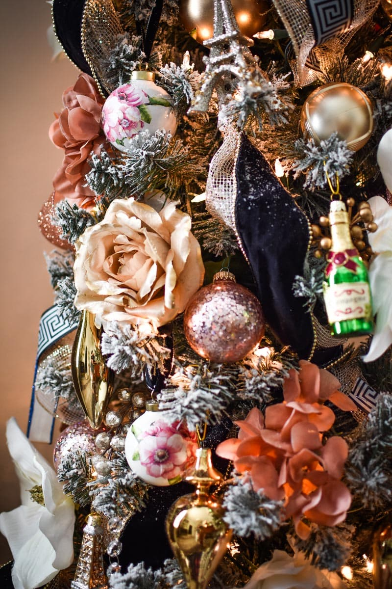 DIY decoupage floral napkin ornaments